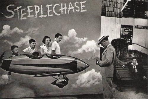 Souvenir photo circa 1945